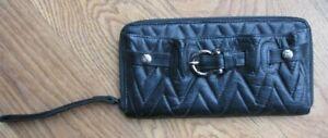 BURBERRY Portemonnaie Brieftasche  Leder mit umlaufendem Reißverschluss  schwarz