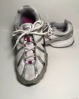Size 8.5 NIKE Air Max WOMAN WHITE PINK SILVER RUNNING ATHLETIC SHOES 2008