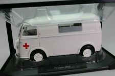 ZD040 NOREV 184699 Voiture 1/18 Peugeot D4B 1963 Ambulance