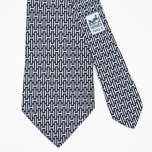 HERMES TIE 5139 HA H on Dark Blue Classic Silk Necktie