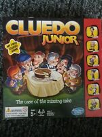 CLUEDO JUNIOR THE CASE OF THE MISSING CHOCOLATE CAKE DETECTIVE AGES 5+ 2-6 ppl