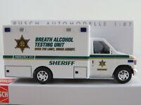 """Busch 41800 Ford E-350 Koffer (1992) """"SHERIFF (USA)"""" in weiß 1:87/H0 NEU/OVP"""
