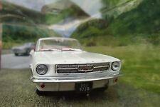007 JAMES BOND White Ford Mustang Convertible 1:43 CAR MODEL - Goldfinger 1964