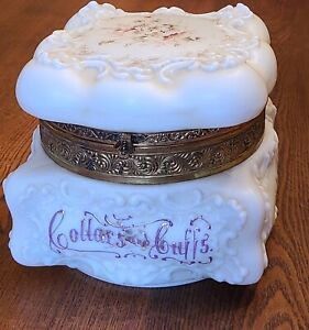 "ANTIQUE VICTORIAN WAVECREST COLLARS & CUFFS DRESSER BOX FLORAL 6.75"" X 6"""