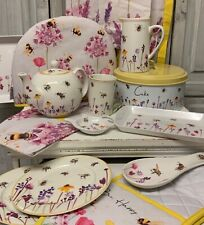 Busy Bumble Bee Bone China Tea Pot Jug Oven Gloves Tea Towel Mother's Day Gift