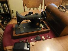 The Singer Manufacturing Co Antique SINGER Sewing Machine Made in USA Model 128