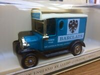 LLEDO DG6033a DG6033b DG6033c Barclays Ford Model T Vans Cream & BLACK Chassis