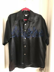 NWT JOHNNY SUEDE Black with Blue Flames & Silver Dice Buttons Shirt Size L