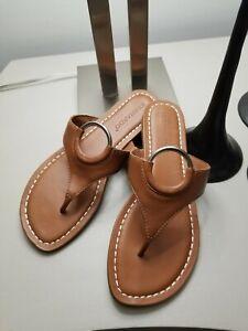 Bernardo Women's Mallory Antique Leather O-Ring T-Strap Sandals Size 8 EUC