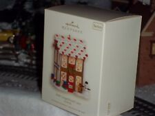 Hallmark 2008 GINGERBREAD LANE NOELVILLE Series ornament 3RD in the Series *NEW*