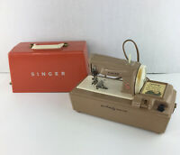 1962 Singer Sewhandy Toy Child's Sewing Machine w/ Carrying Case NOT WORKING