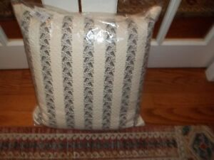 NWT Ralph Lauren Winter Cottage Cream Leaf Quilted Decorative Bed Pillow 20x20