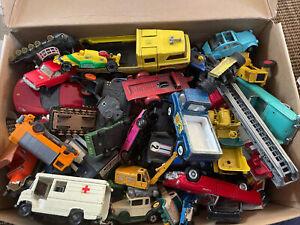Eine Kiste Konvolut alter Autos Spritzguss vintage Matchbox Siku Bastler LOOK
