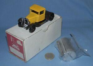 MVI base Solido 1/43 : Citroen C4 Camion Citerne Vin Bor