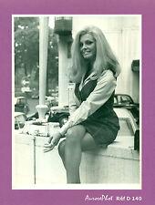 PHOTO DE PRESSE : LA CHANTEUSE & DANSEUSE VICTORIA VETRI, 1968 Réf D 140
