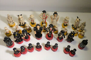 RARES pieces de jeux d'echec anciennes 1950 BOIS PEINT MAIN CORRIDA ORIGINAL