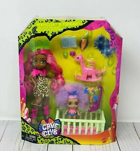 Cave Club Fernessa & Furrah Babysitter 2-Pack Doll And Accessory Set & Crib New