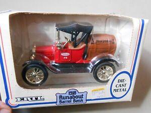 1918 Runabout Barrel Bank Die Cast Truck True Value ERTL 1/25