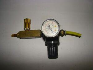 Speedaire 4ZM08 Pressure Regulator w/ Gauge, 300 PSIG, Used