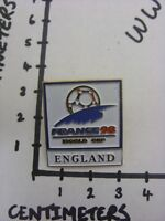 c1998 Enamel Badge (Clasp Back) World Cup 1998 France, England Badge (the item i