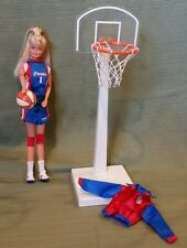 BARBIE WNBA BASKETBALL 1998 #20205 In Great Condition with all her Accessories