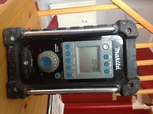 Makita Accu-Baustellenradio BMR 100 FM