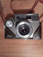 Argus Autronic 35 Rangefinder Camera with half Case Vintage