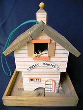 Hilly Farms wooden bird house w base tray and hinged roof - loads of charm
