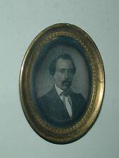 rare daguérreotype bijou pendentif oval homme photo photographie
