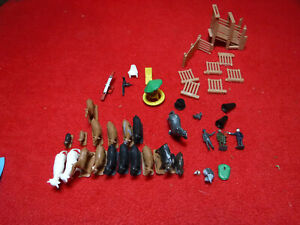 Plasticville Livestock Chute and Pen Plus Animals, People and Furniture