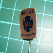 Maple Leaf ML kauwgom pin badge 60's chewing gum speldje