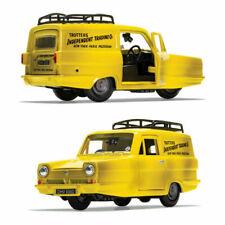 Corgi CC85803 Del Boy's Reliant Regal Car - Yellow