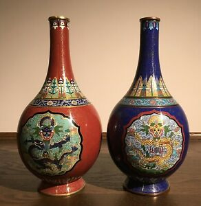 A pair of Chinese vintage cloisonne vase early 20th 1022BC