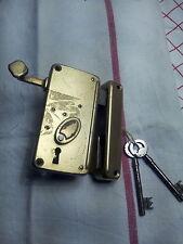 Serrure de porte avec tirette complète 2 clefs année 1940/1960 jamais servie
