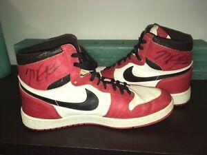 Bulls Michael Jordan 1 Dual Signed 1985 Original Air Sneakers Shoes JSA Z40852
