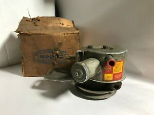 1958 PLYMOUTH NEW OLD STOCK MOPAR POWER STEERING PUMP 58