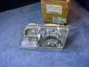HEADLIGHT LAMP Capsule NEW Left Driver Ford CROWN VICTORIA 1998-2005
