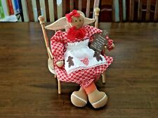 Handcrafted sitting GINGERBREAD Girl Doll x Xmas w//wooden Cookie Sign, PREOWN