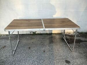 VTG Faux Wood Aluminum Folding Table w/Handle Camping 5ft Suitcase Style MCM USA