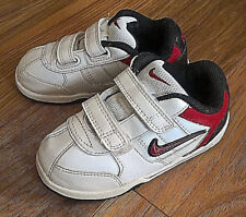new product 57aa6 90a96 Garçons Nike Chaussures Baskets Taille 7