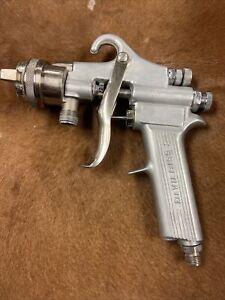 DeVilbiss Automotive Paint spray gun