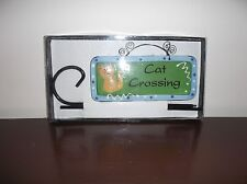 Tumbleweed Pottery Nwot Garden Cat Crossing Plaque With Stand & Holder