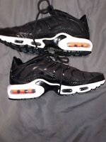 Women's Nike Air Max TN Tuned Black White Running Shoes Size 6 862201-004 New