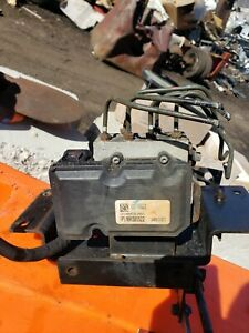 MITSUBISHI FUSO FE 125 140 ABS BRAKE MODULE MK585522