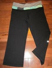 LULULEMON REVERSE GROOVE CROPS BLACK QUILTED GATHERED WAISTBAND GREY AND GREEN 4