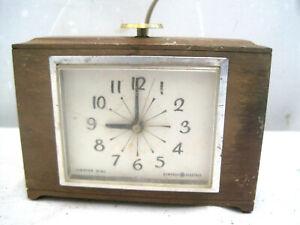 Wood Vintage General Electric GE 7312K Analog Dial Alarm Clock TESTED