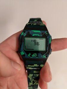 FREESTYLE Shark Digital camo shark skin with compass