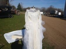 RARE VINTAGE WEDDING GOWN,BARBARA'S BRIDAL GOWN ,SILK,LACE TOOL WEDDING GOWN