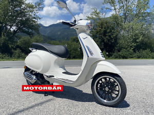 Vespa 125 Sprint ABS E5 weiß LED Piaggio Scooter Roller AKTION/ Netto € 4082,-