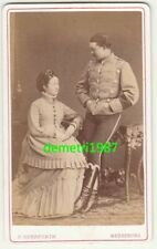 CdV Foto Husar Armbinde mit Frau viktorianische Mode Merseburg 1880er ! (F2514